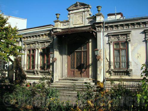 Mid-19th century house, Negustori neighborhood, central Bucharest