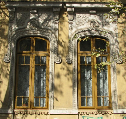 Neo-Romanian style windows, Mantuleasa area, Bucharest