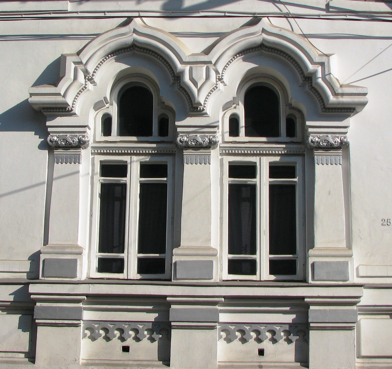 Neo romanian style windows with art nouveau features for House window styles