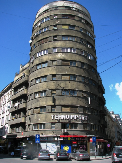 """City Block"" (1936, arch. Leon Stern) downtown Bucharest"