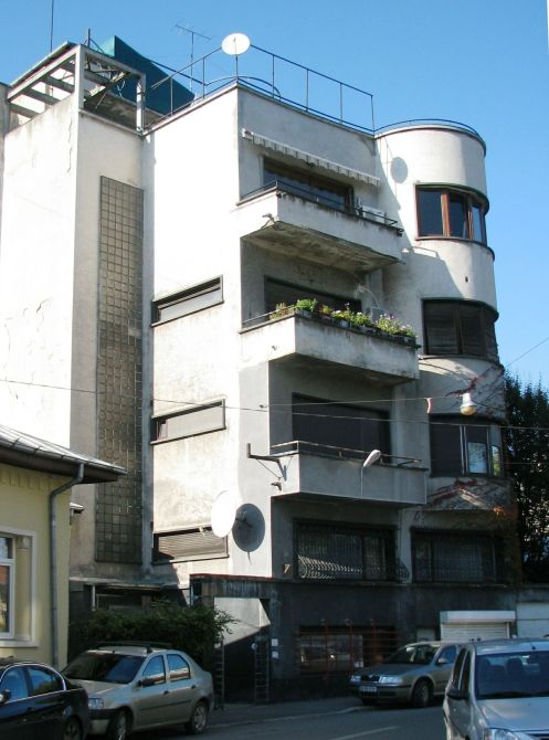 Apartment building (1938, arch. Jean Monda) central Bucharest