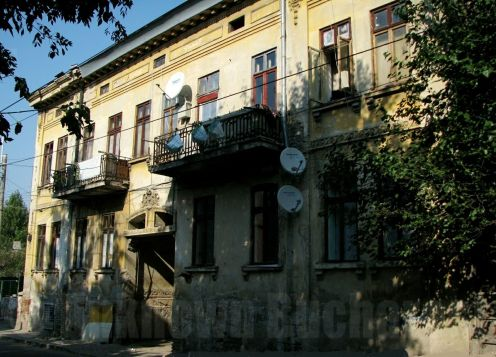 19th century inn-type house with entrance passage, Anton Pann street Bucharest