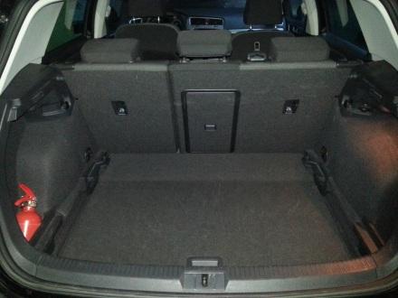 volkswagen-golf-trunk