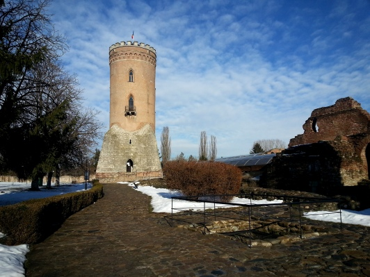 winter-morning-chindia-tower-princely-court-targoviste